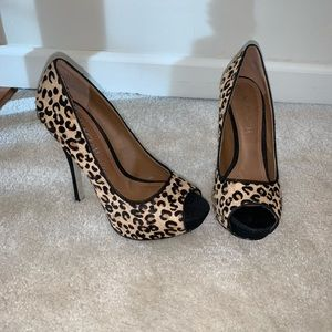 Aldo women's cheetah print pumps size 37
